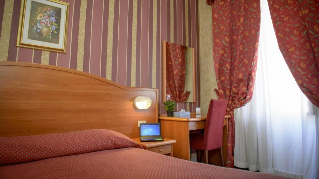 Hotel-Emmaus-Rome-15