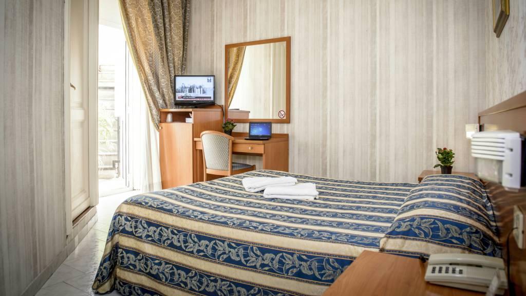 Hotel-Emmaus-Rome-29