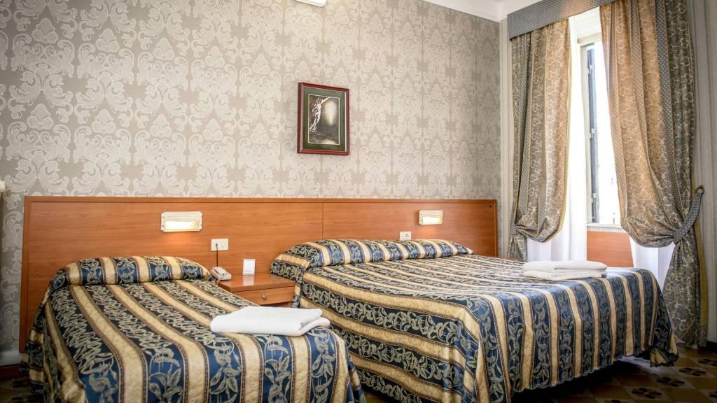 Hotel-Emmaus-Rome-35