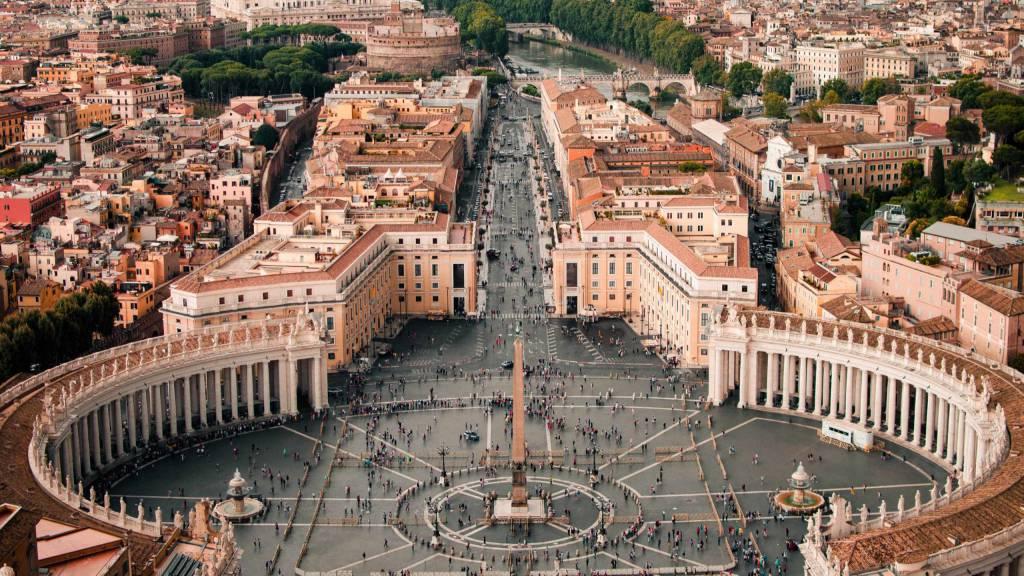 Hotel-Emmaus-Roma-Placa-de -sao-pedro