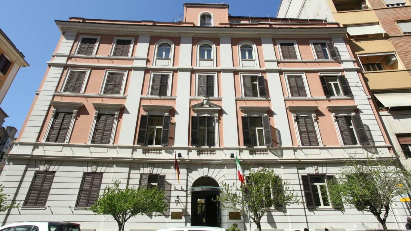 Hotel-Emmaus-Rome-12222